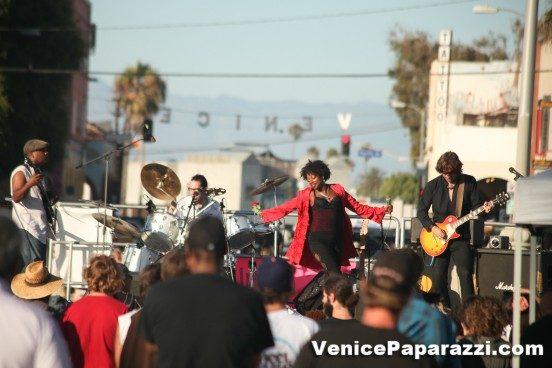 Venice-Beach-Music-Fest-Spring-Fling-43-2-552x368