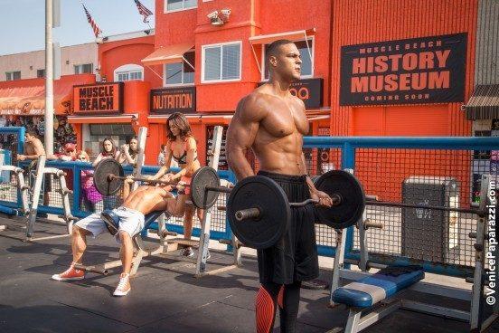 muscle-beach-11-x3-552x368-552x368